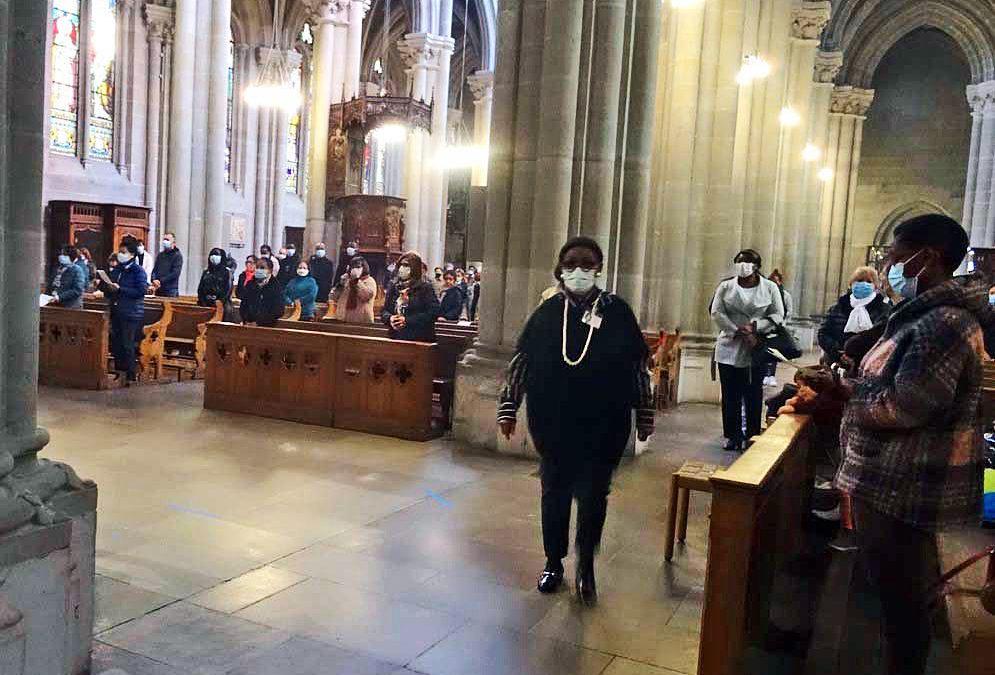 Porter un masque à l'église – Votre don
